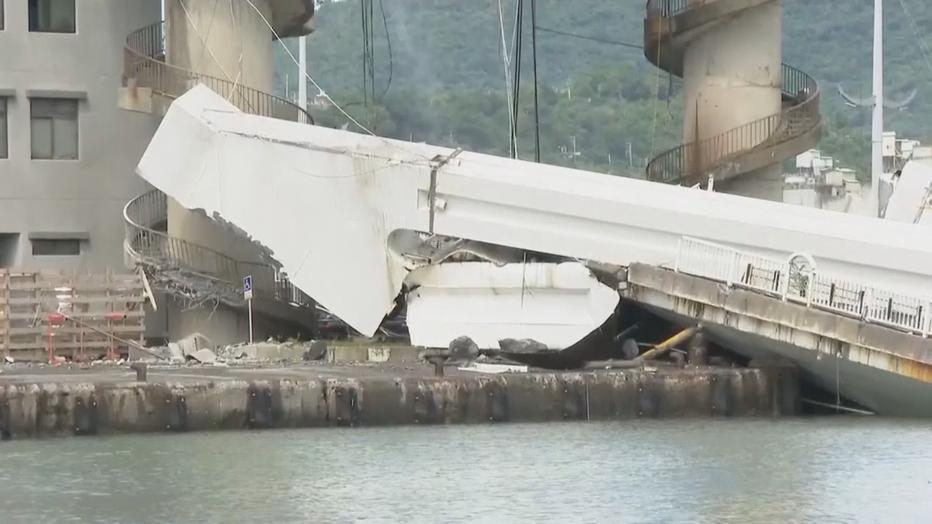Taiwan-bridge4.png