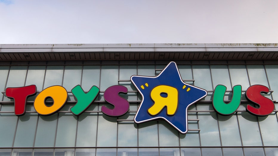 Toys R Us's parent company, Tru Kids Brands, has teamed up with Target, a key rival, to restart its e-commerce operation.