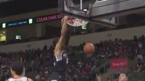 Austin Spurs take on Memphis Hustle