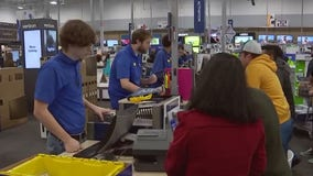 Holiday shopping begins at East Austin Best Buy