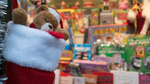 Cash, gift card donations encouraged for Cedar Park Police's Blue Santa program
