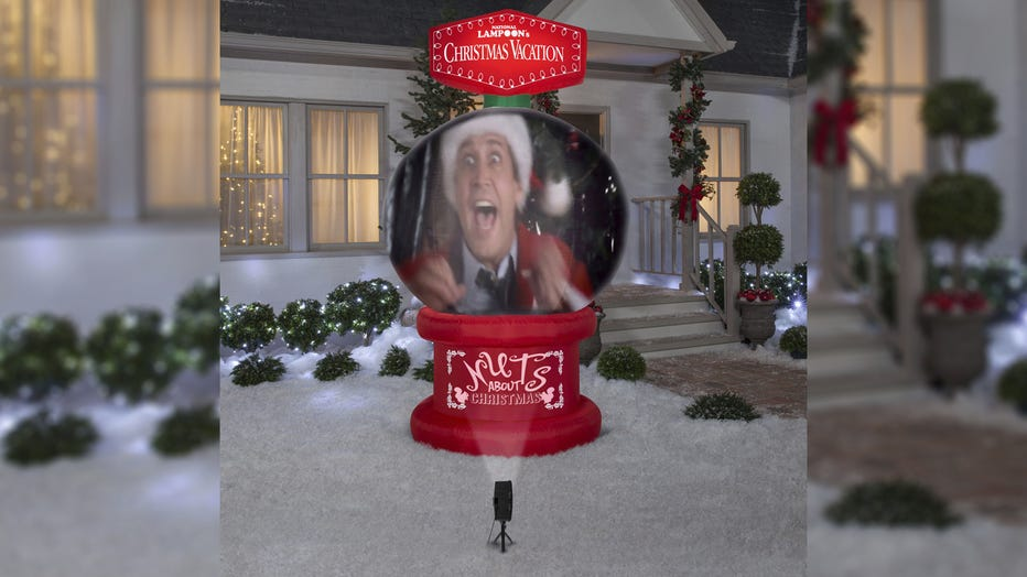 Giant inflatable \u0027Christmas Vacation\u0027 snow globe plays