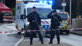 Police shoot man dead after deadly stabbings in Paris park