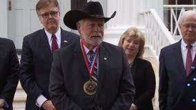 Gov. Abbott presents Governor's Medal of Courage to man who stopped White Settlement church shooter