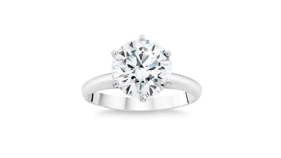 Diamond-Platinum-Solitaire-Ring-Costco.jpg