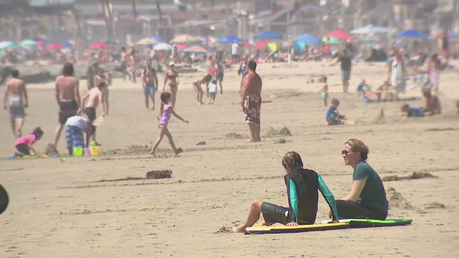 Heatwave draws 40,000 to Newport Beach