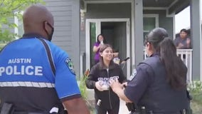 APD, Travis County Constables hold birthday parade for kids