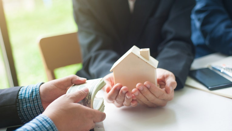 Creidble-pay-mortgage-iStock-1189137118.jpg