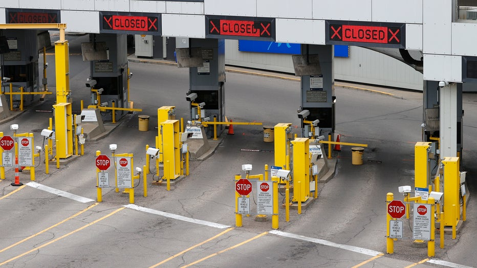 3090859c-U.S. Canadian Border Shut Down For All Nonessential Travel