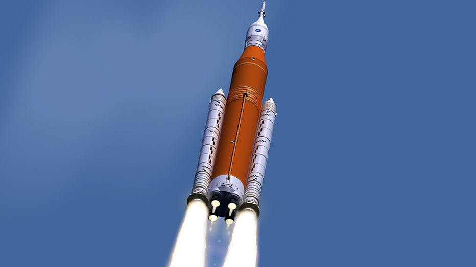 sls_block1_noeas_afterburner_engmarkings_sm_1.jpg
