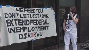 Austin service industry workers demand Congress extend $600/week unemployment benefits