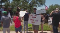 Texas bar owners protest closures outside of TABC headquarters