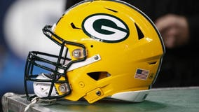 Packers 'stand united for social justice,' stay in locker room for anthem