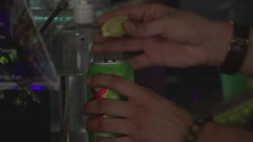 Texas bars with ability to serve food may apply to reopen