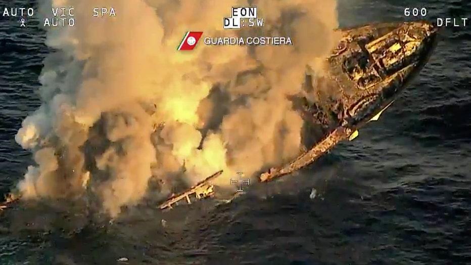 Guardia-Costiera-sinking-yacht