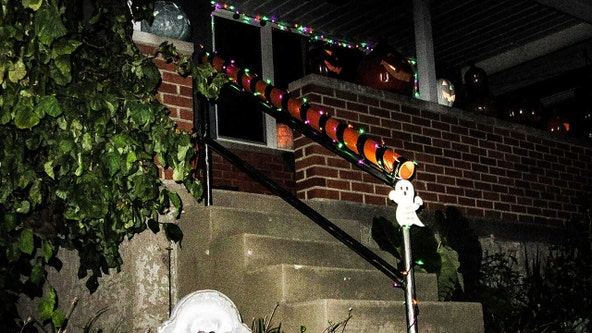 Dad creates contactless candy chute for Halloween trick-or-treaters during COVID-19 pandemic