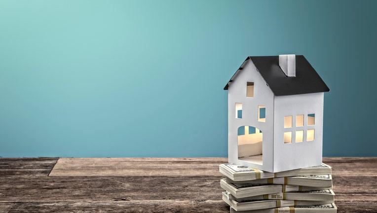 mortgage-refi-1185506761.jpg