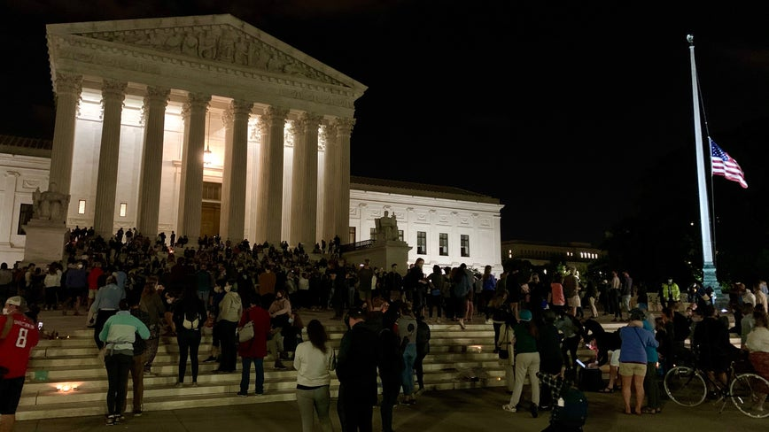 Hundreds gather outside of Supreme Court to mark passing of Justice Ruth Bader Ginsburg