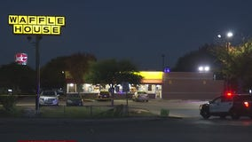 Police investigate shooting outside Northeast Austin Waffle House