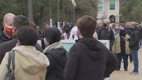 Thousands of invalid vaccine appointments hold up line at UT