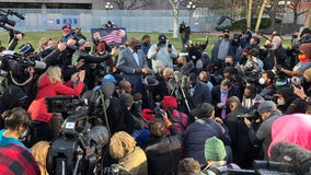 Rev. Sharpton, Floyd family kneel for 8 minutes, 46 seconds to honor George Floyd