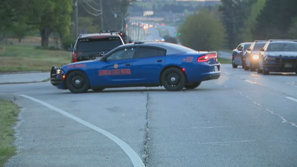 3 officers injured, 1 suspect dead in Carroll County police chase