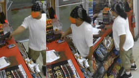 APD: Man robbed East Austin food mart at gunpoint