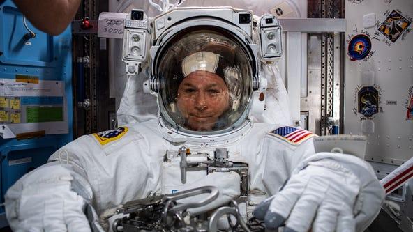 Astronauts continue work on ISS solar array
