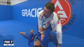 Casey and Chelsea try out Brazilian Jiu Jitsu
