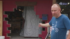 Thieves drive pick-up truck through Austin bike shop