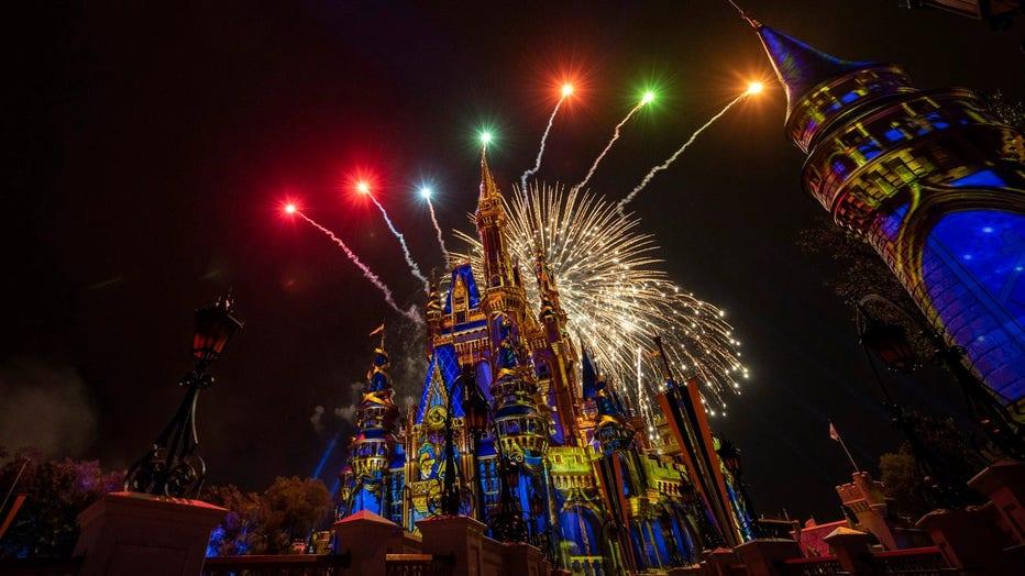 Magic-Kingdom-Fireworks-Happily-Ever-After1.jpg