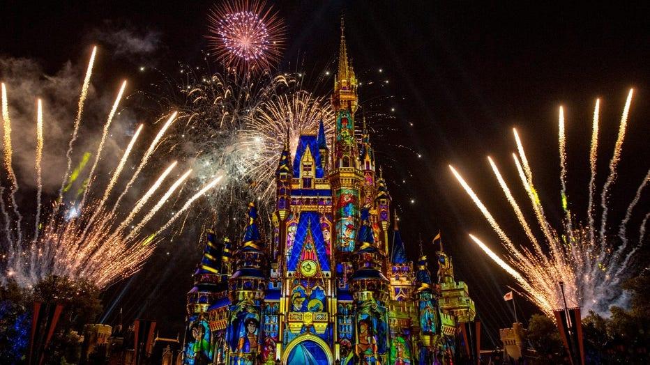 Magic-Kingdom-Fireworks-Happily-Ever-After3.jpg