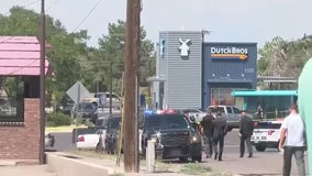 4 Albuquerque police officers injured in shooting after responding to robbery