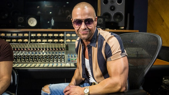 Joey Lawrence talks new music, whether he would join 'The Masked Singer'