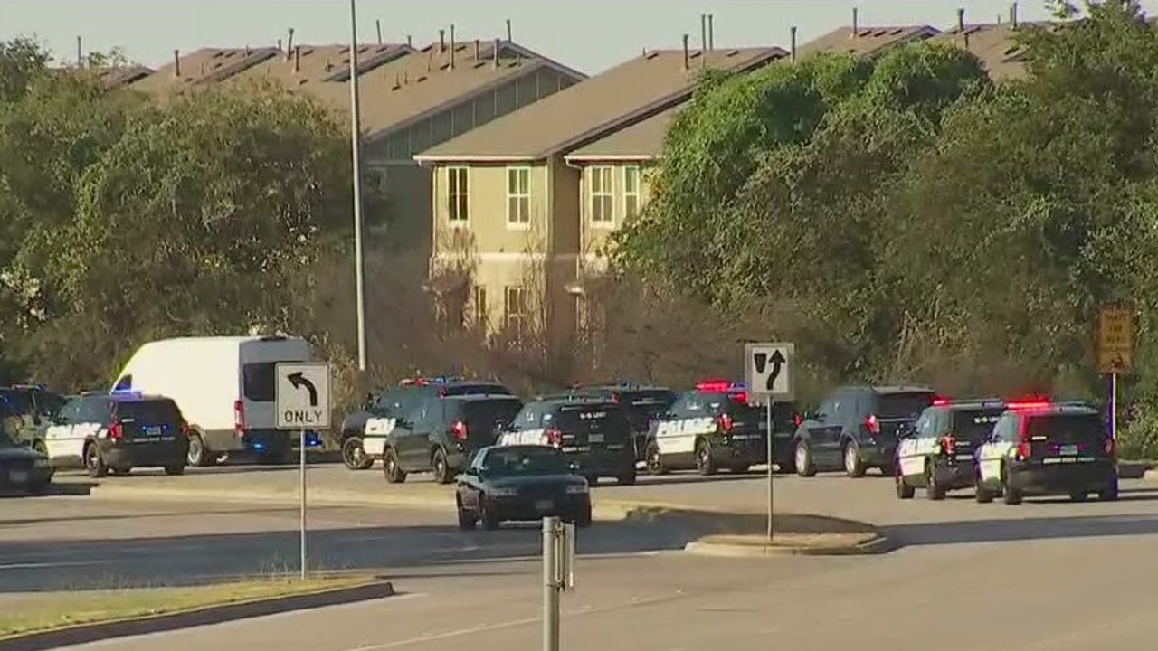 AW Grimes Boulevard in Round Rock reopens after SWAT situation - FOX 7 Austin