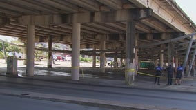 City clears out homeless camp under I-35 overpass in downtown Austin