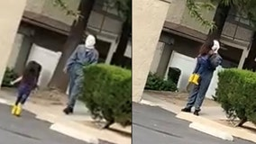 4-year-old runs into the arms of Michael Myers in video gone viral