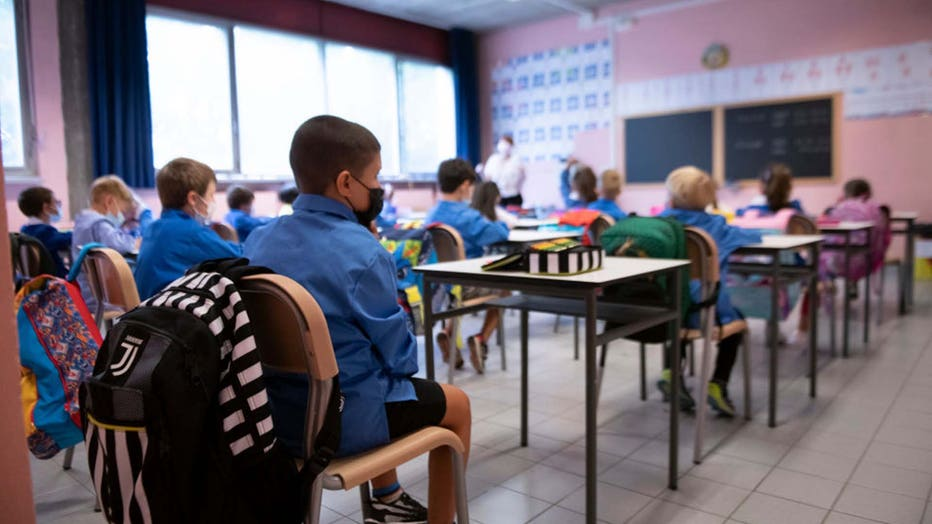 Students mask COVID-19