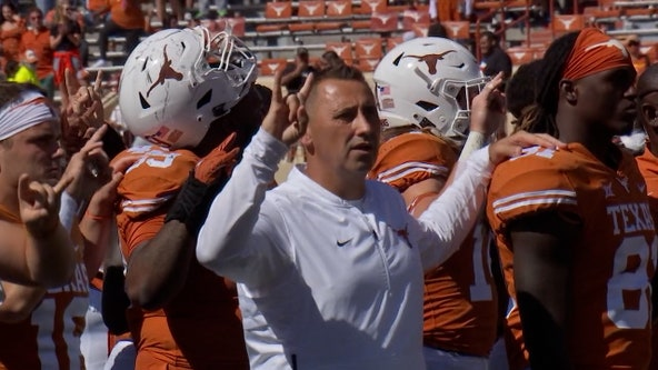Oklahoma State rallies late to beat Texas 32-24