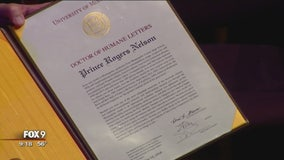 University of Minnesota awards Prince with honorary degree in night of music