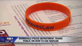 Burnsville police give Narcan training