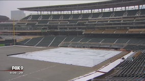 As cold persists, Twins prepare for possible record-breaking opening day
