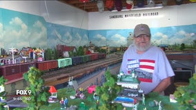 Alzheimer's patients use shared love of model trains to combat disease