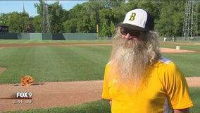 """Jordan ballplayer dons famous """"Santa Claus"""" beard"""