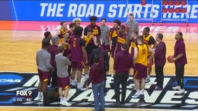Gophers practice in Des Moines ahead of NCAA tournament