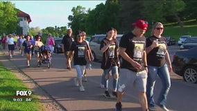 Hundreds walk at Como Park to honor lost loved ones