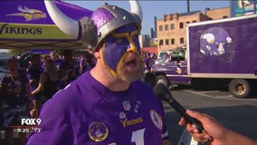 Fans pour out to Vikings game on a victorious night