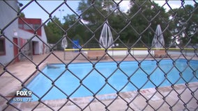 Pool in Farmington to close
