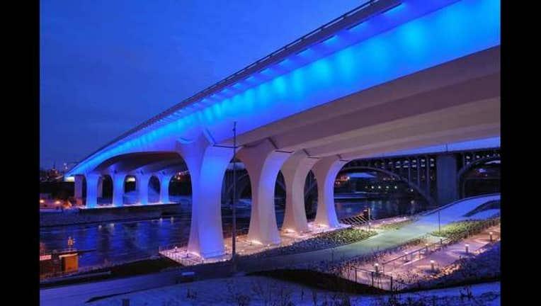 127d2c7c-I-35W bridge blue_1483913083686.jpg