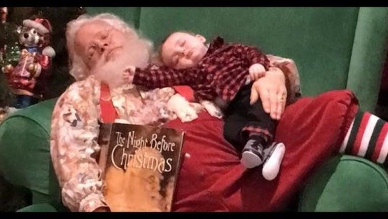 233fdcde-Santa and Zeke. (Photo Courtesy of Donnie and Kelli Walters)_1448916867599-408795.jpg